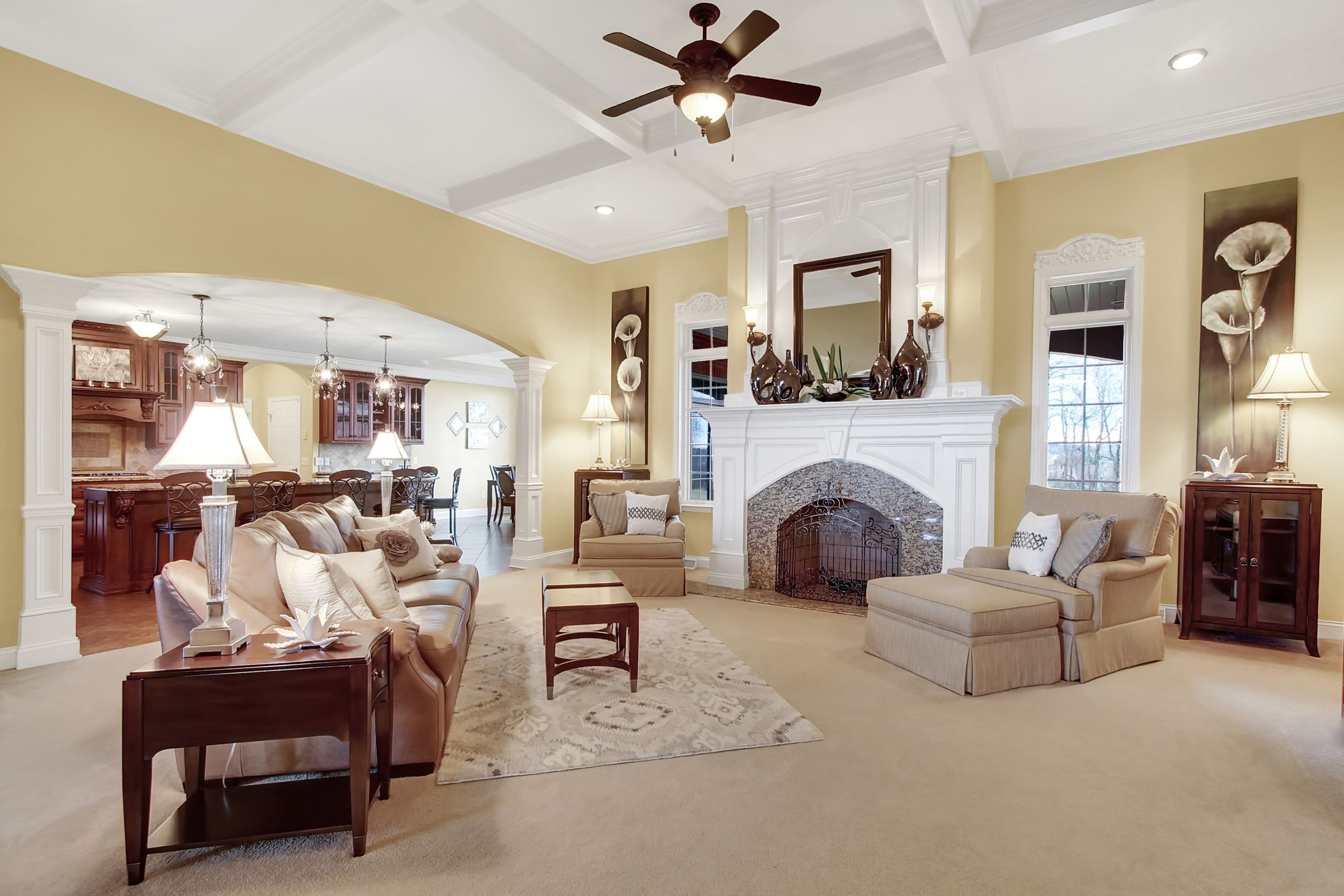 Photograph by Real Estate Exposures http://realestateexposures.com